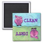 Imanes limpios sucios del cerdo de cabezas y de la imán de frigorífico