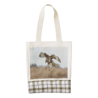 Immature Red Tailed Hawk Hovering Zazzle HEART Tote Bag