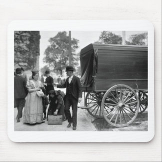 Immigrants at Battery Park 1900 Mouse Pad
