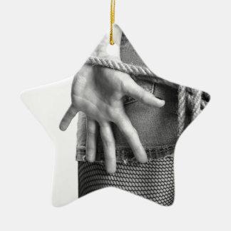 implicado adorno navideño de cerámica en forma de estrella