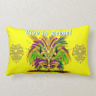 Importante de la reina 1 del carnaval leído sobre  almohadas