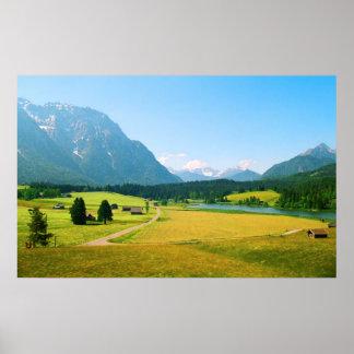Impresión alpina de las tierras de labrantío póster