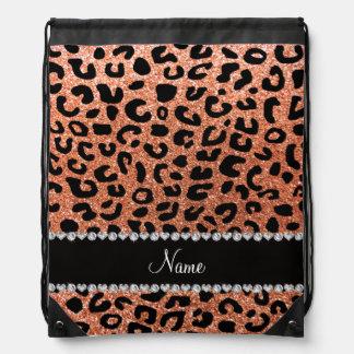Impresión anaranjada en colores pastel conocida de mochila