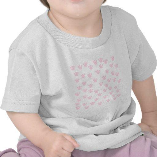 Impresión animal de la pata. Modelo rosa claro y b Camisetas