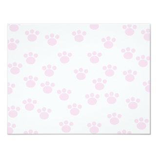 Impresión animal de la pata. Modelo rosa claro y Invitación 10,8 X 13,9 Cm