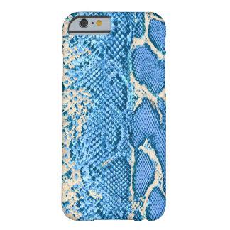 Impresión azul hermosa de la piel de serpiente funda de iPhone 6 barely there