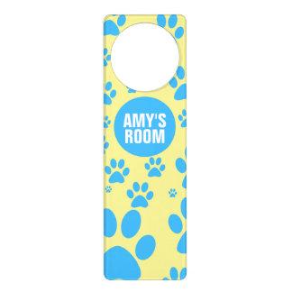 Impresión azul y amarilla adaptable de la pata colgador para puerta