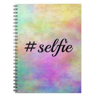 impresión colorida del #selfie libros de apuntes