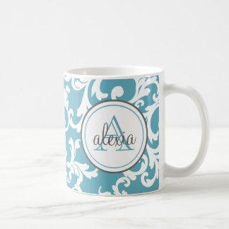 Impresión con monograma del damasco del azul de taza clásica