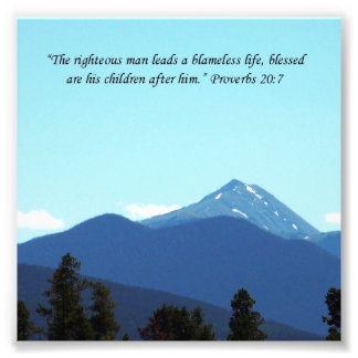 Impresión de la montaña de la escritura del 20:7 d fotografías