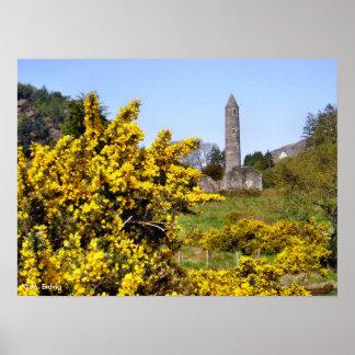 Impresión de la torre de Glendalough Posters