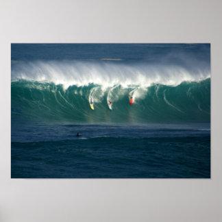 Impresión de las personas que practica surf de la  poster