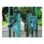 Impresión de las puertas del cementerio posters