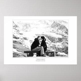 Impresión del beso del suizo póster