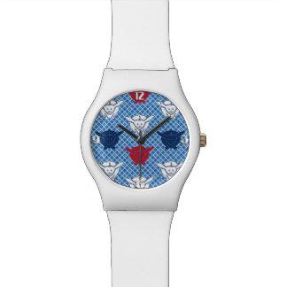 Impresión del conejo, azules japoneses con rojo y  reloj de mano