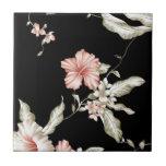 Impresión del hibisco en rosa y negro tejas  cerámicas