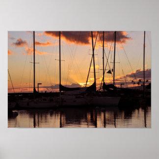 Impresión del puerto del bote pequeño de Waikiki Posters