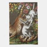 Impresión del vintage: Gatitos que juegan en el ja Toallas