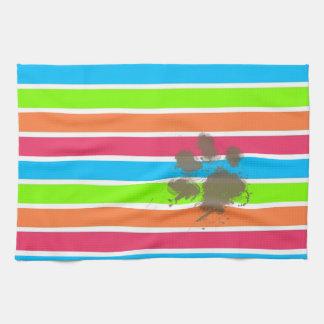 Impresión divertida de la pata en las rayas de neó toallas de mano
