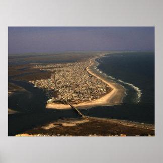 Impresión enmarcada ciudad de la isla del mar póster