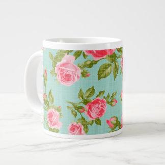 Impresión floral femenina de los rosas del vintage taza grande