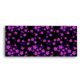 Impresión floral púrpura y negra linda de moda sobres