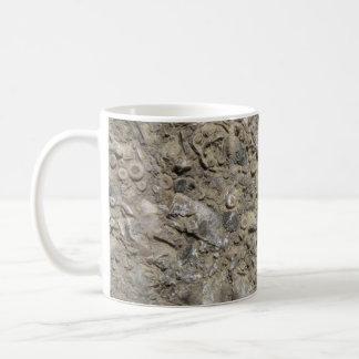 Impresión fósil del hachís (versión 1) tazas de café