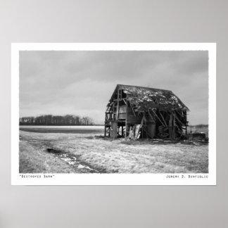 Impresión negra y blanca del granero destruido