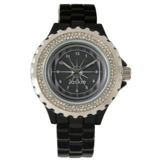 Impresión negra y de plata elegante del modelo relojes de pulsera