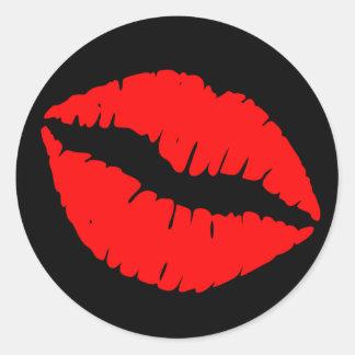 Impresión negra y roja del lápiz labial pegatina redonda