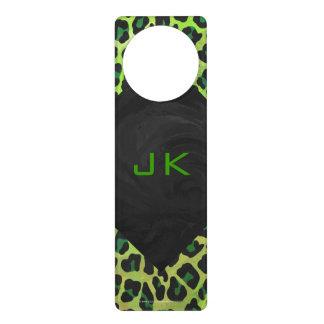 Impresión negra y verde del leopardo colgante para puerta