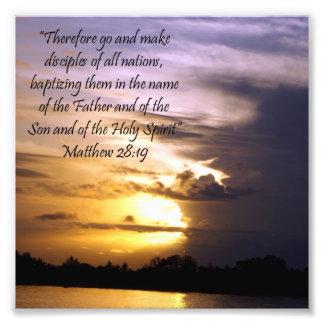 Impresión preciosa del 28:19 de Matthew del verso  Foto