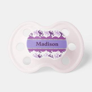 Impresión púrpura de la vaquera chupete de bebé
