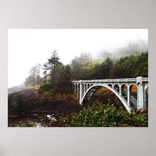 Impresión rocosa del puente de la cala póster
