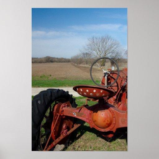 Impresión roja antigua del poster del tractor