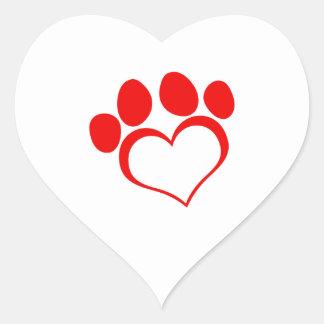 Impresión roja de la pata del corazón pegatina en forma de corazón