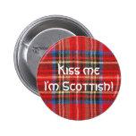 Impresión roja de la tela escocesa pins