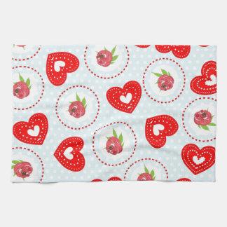Impresión roja de los corazones de los rosas elega toalla