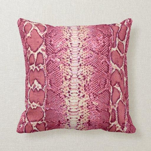 Impresión rosada #1 de la piel de serpiente almohada