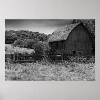 Impresión rústica blanco y negro del granero poster