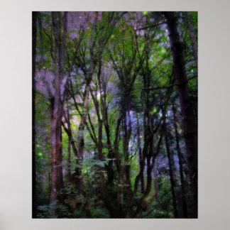 Impresión surrealista del poster del bosque de las