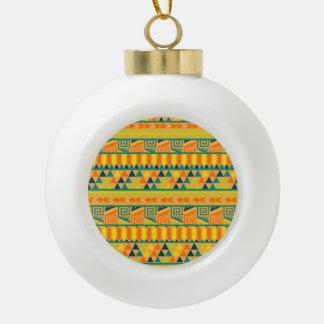 Impresión tribal azteca abstracta colorida adorno de cerámica en forma de bola