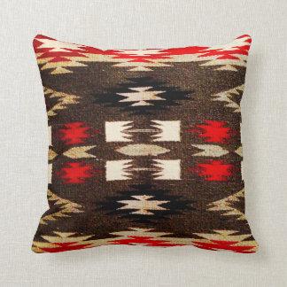 Impresión tribal del diseño de Navajo del nativo Cojín