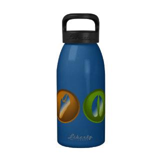Impresiones de la pata botella de agua reutilizable