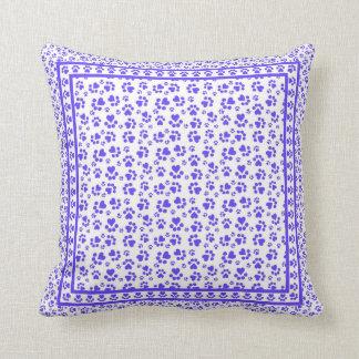 Impresiones de la pata - amante animal azul almohadas