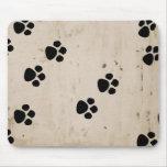 Impresiones de la pata del perro de Westie Tapetes De Raton