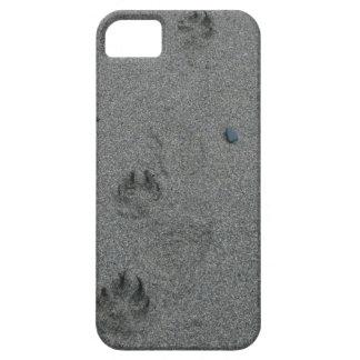 Impresiones de la pata en la arena funda para iPhone 5 barely there