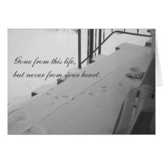 Impresiones de la pata en la tarjeta de condolenci