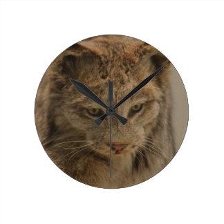 Impressive Lynx Round Clock