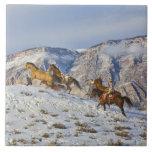 Impulsión del caballo a través de la nieve 3 tejas  ceramicas